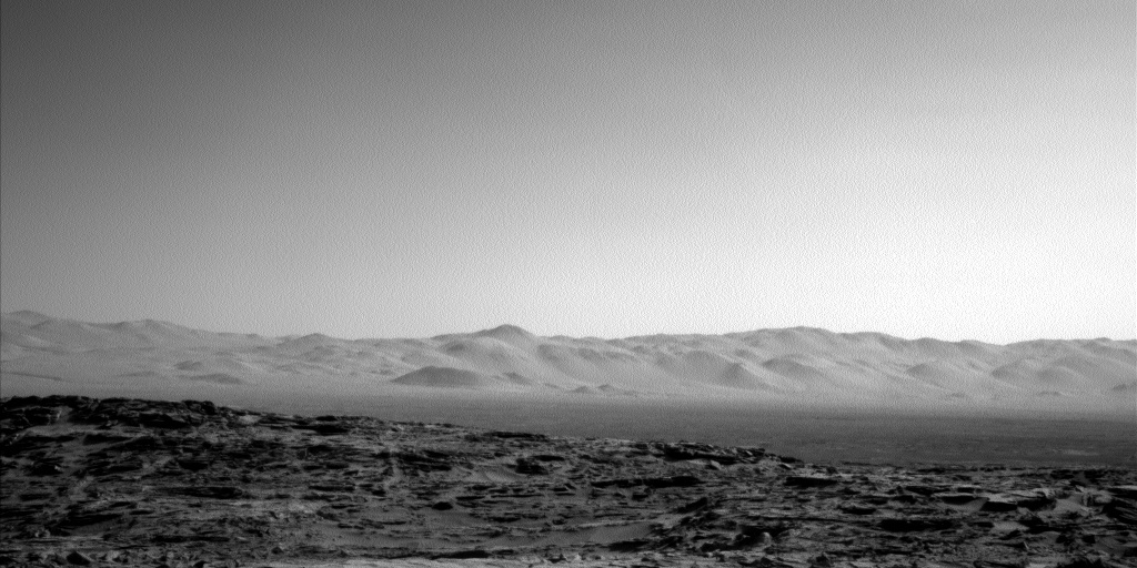 Navcam view of the northern rim of Gale crater.