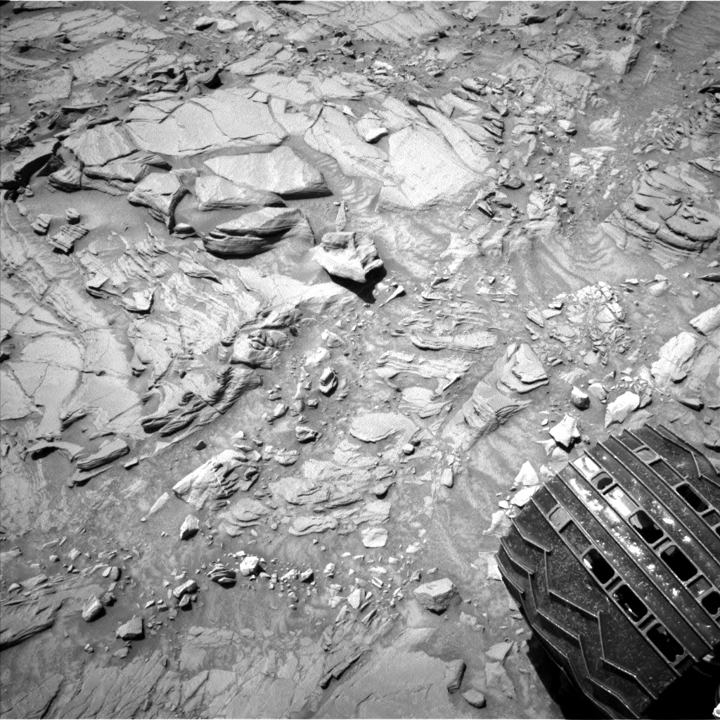 Nasa's Mars rover Curiosity acquired this image using its Left Navigation Camera on Sol 1310, at drive 238, site number 54