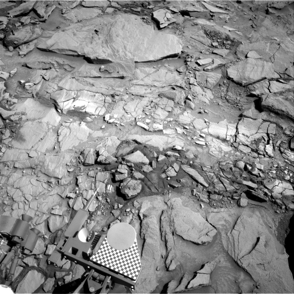 NASA's Mars rover Curiosity acquired this image using its Right Navigation Cameras (Navcams) on Sol 1324