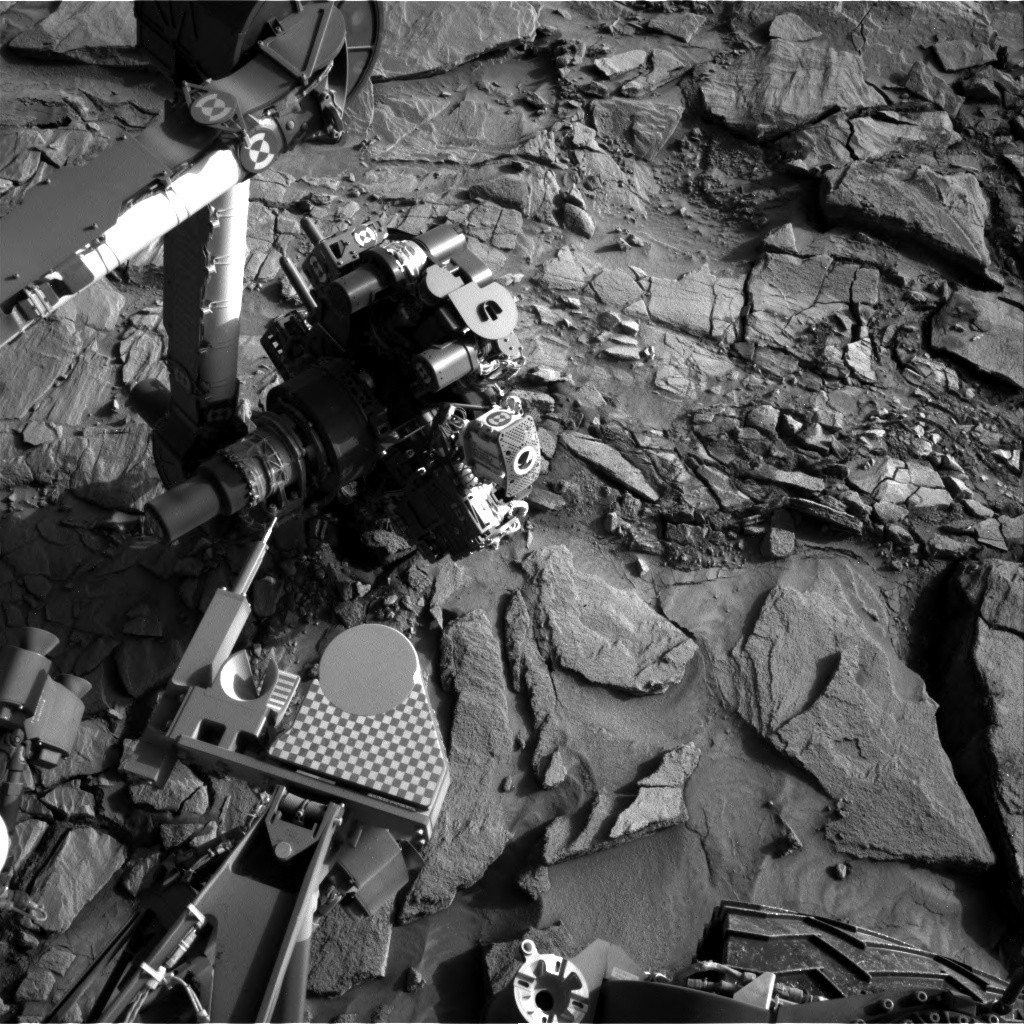 NASA's Mars rover Curiosity acquired this image using its Right Navigation Cameras (Navcams) on Sol 1325