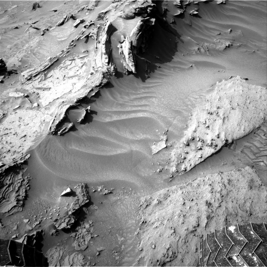 NASA's Mars rover Curiosity acquired this image using its Right Navigation Cameras (Navcams) on Sol 1349