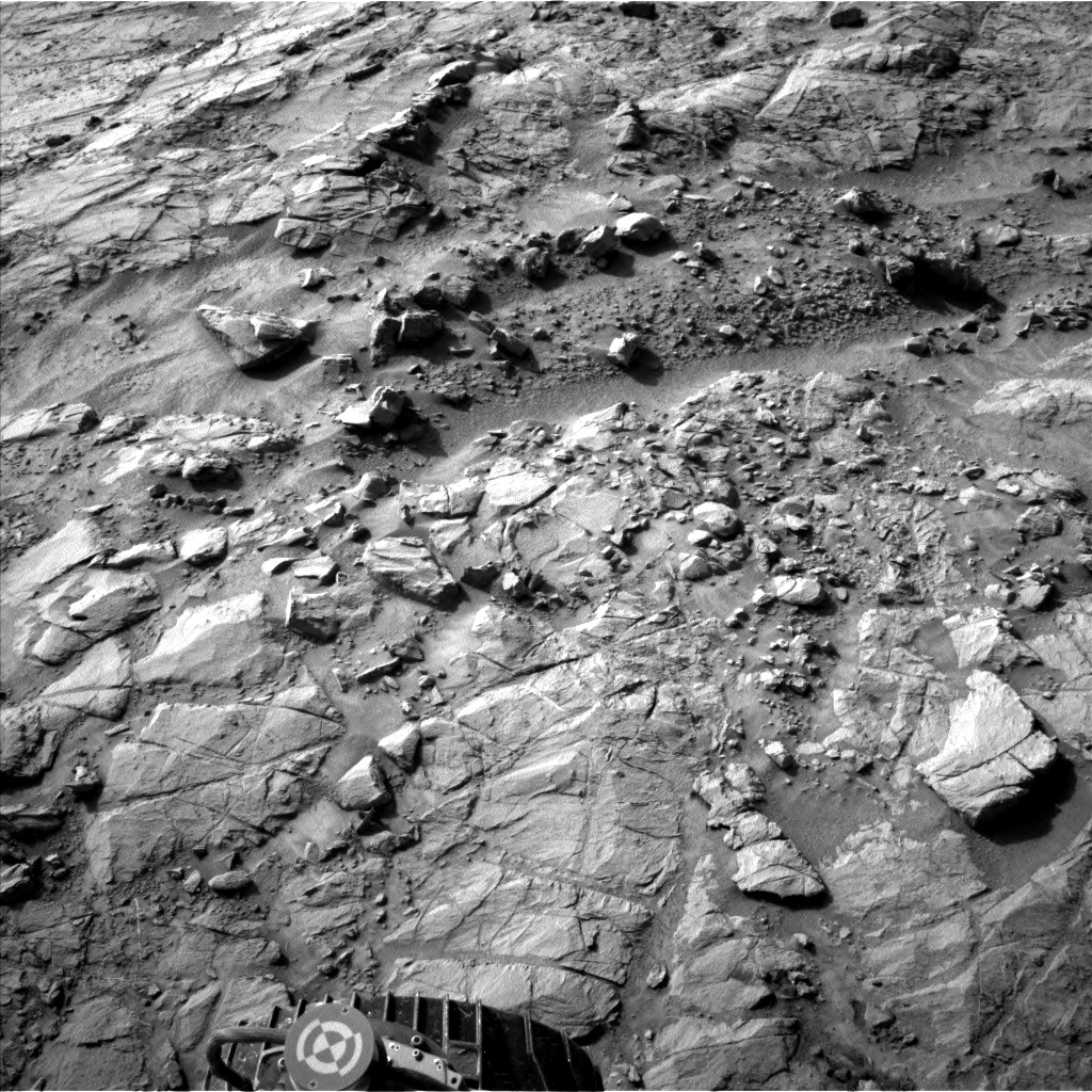 Nasa's Mars rover Curiosity acquired this image using its Left Navigation Camera on Sol 1353, at drive 2202, site number 54