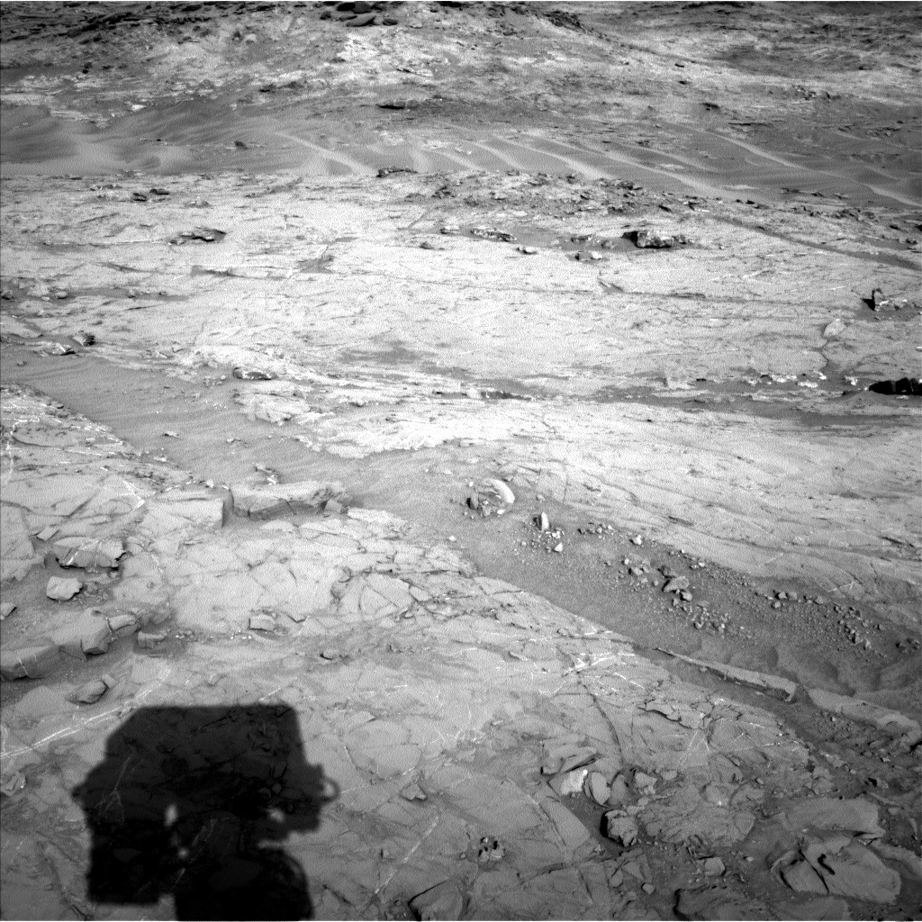 Nasa's Mars rover Curiosity acquired this image using its Left Navigation Camera on Sol 1356, at drive 2202, site number 54