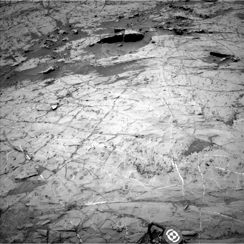 Nasa's Mars rover Curiosity acquired this image using its Left Navigation Camera on Sol 1357, at drive 2238, site number 54