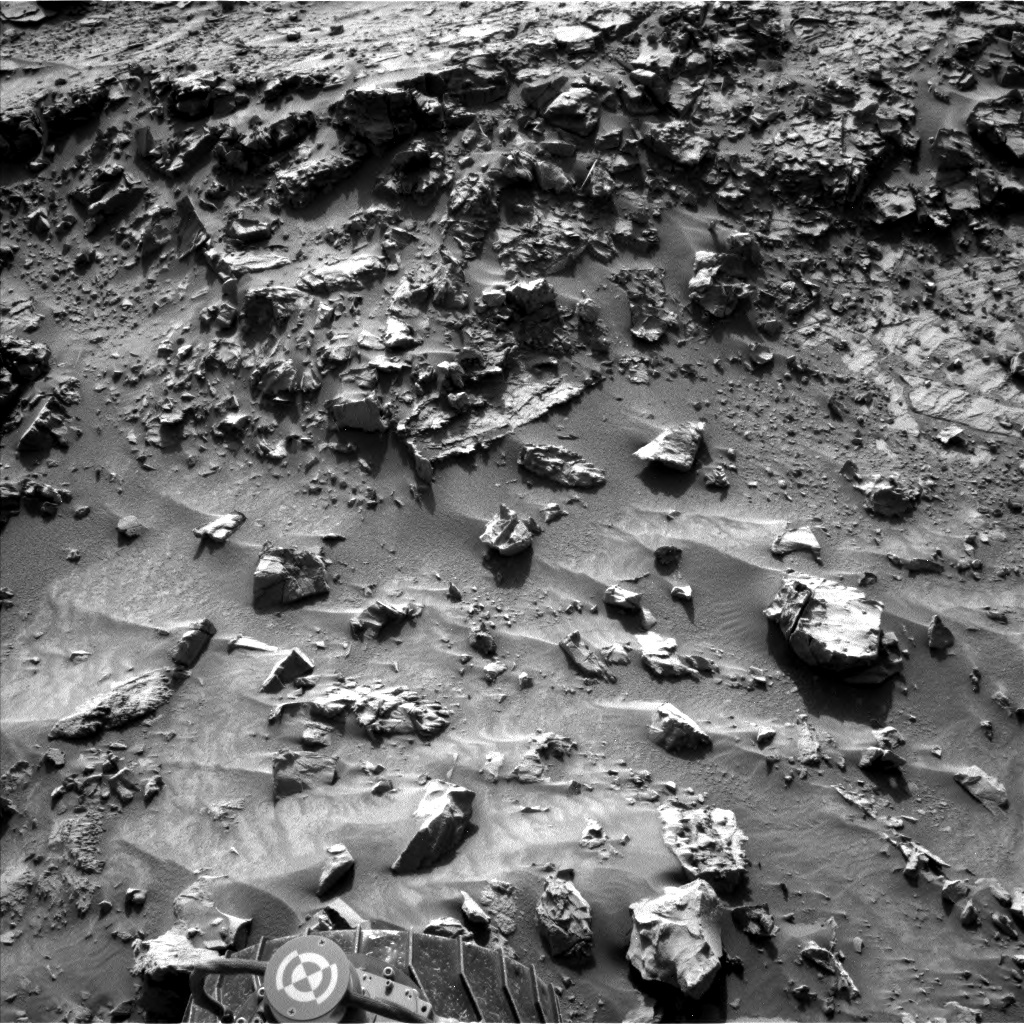 Nasa's Mars rover Curiosity acquired this image using its Left Navigation Camera on Sol 1369, at drive 2508, site number 54