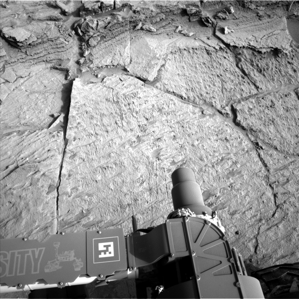 Nasa's Mars rover Curiosity acquired this image using its Left Navigation Camera on Sol 1371, at drive 2784, site number 54
