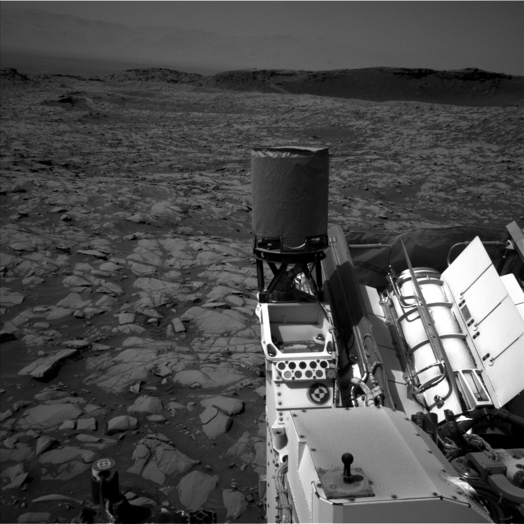 Nasa's Mars rover Curiosity acquired this image using its Left Navigation Camera on Sol 1384, at drive 940, site number 55