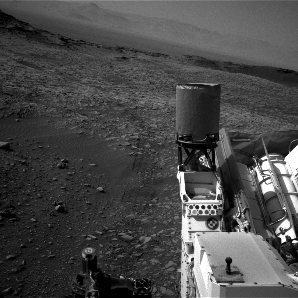 Nasa's Mars rover Curiosity acquired this image using its Left Navigation Camera on Sol 1387, at drive 1420, site number 55