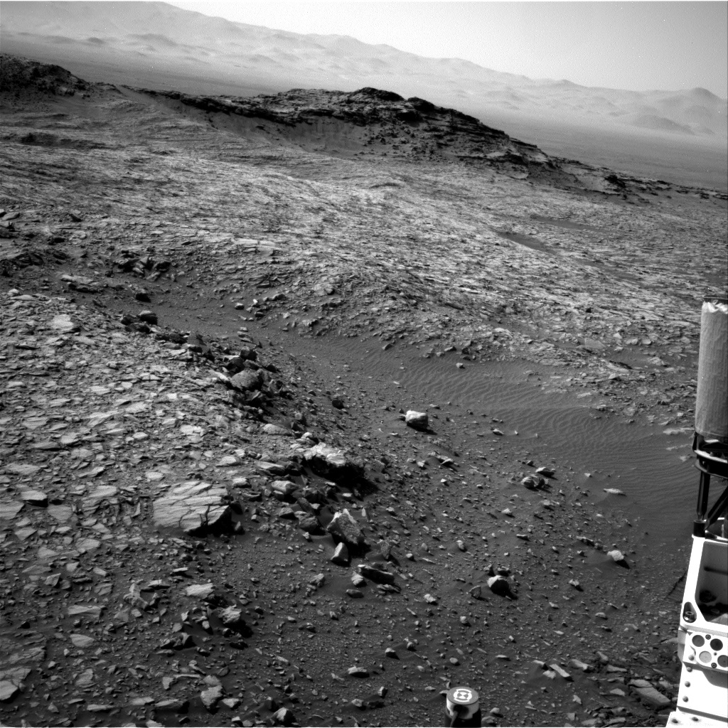 NASA's Mars rover Curiosity acquired this image using its Right Navigation Cameras (Navcams) on Sol 1387