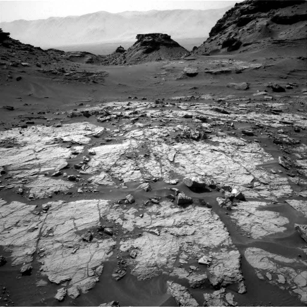 NASA's Mars rover Curiosity acquired this image using its Right Navigation Cameras (Navcams) on Sol 1432