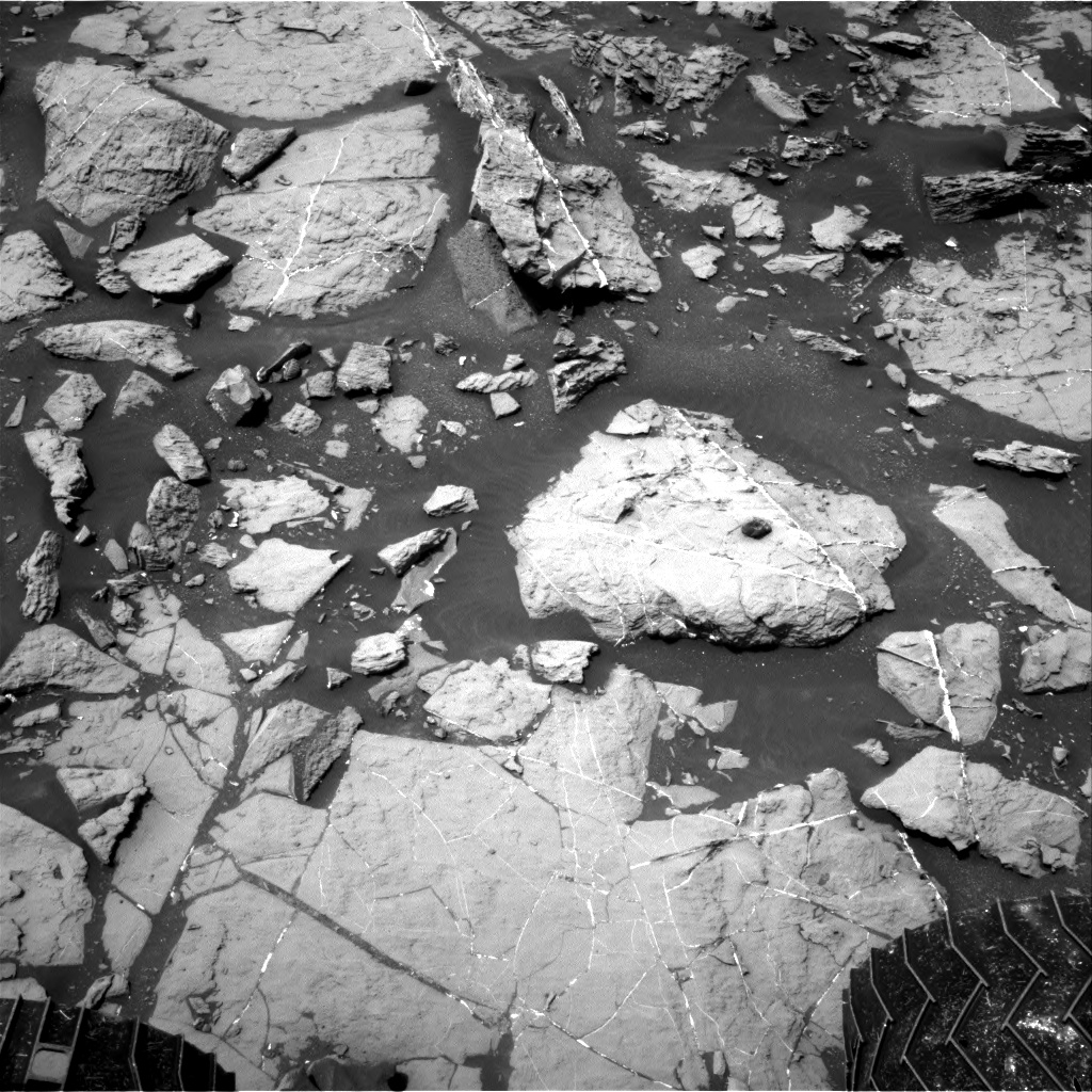 Nasa's Mars rover Curiosity acquired this image using its Right Navigation Camera on Sol 1449, at drive 1942, site number 57