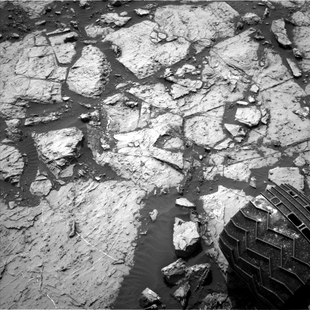 Nasa's Mars rover Curiosity acquired this image using its Left Navigation Camera on Sol 1452, at drive 2296, site number 57