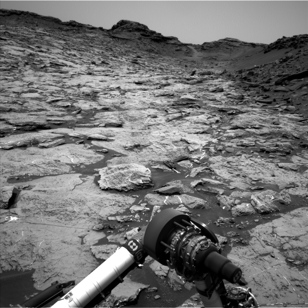 NASA's Mars rover Curiosity acquired this image using its Left Navigation Camera (Navcams) on Sol 1462