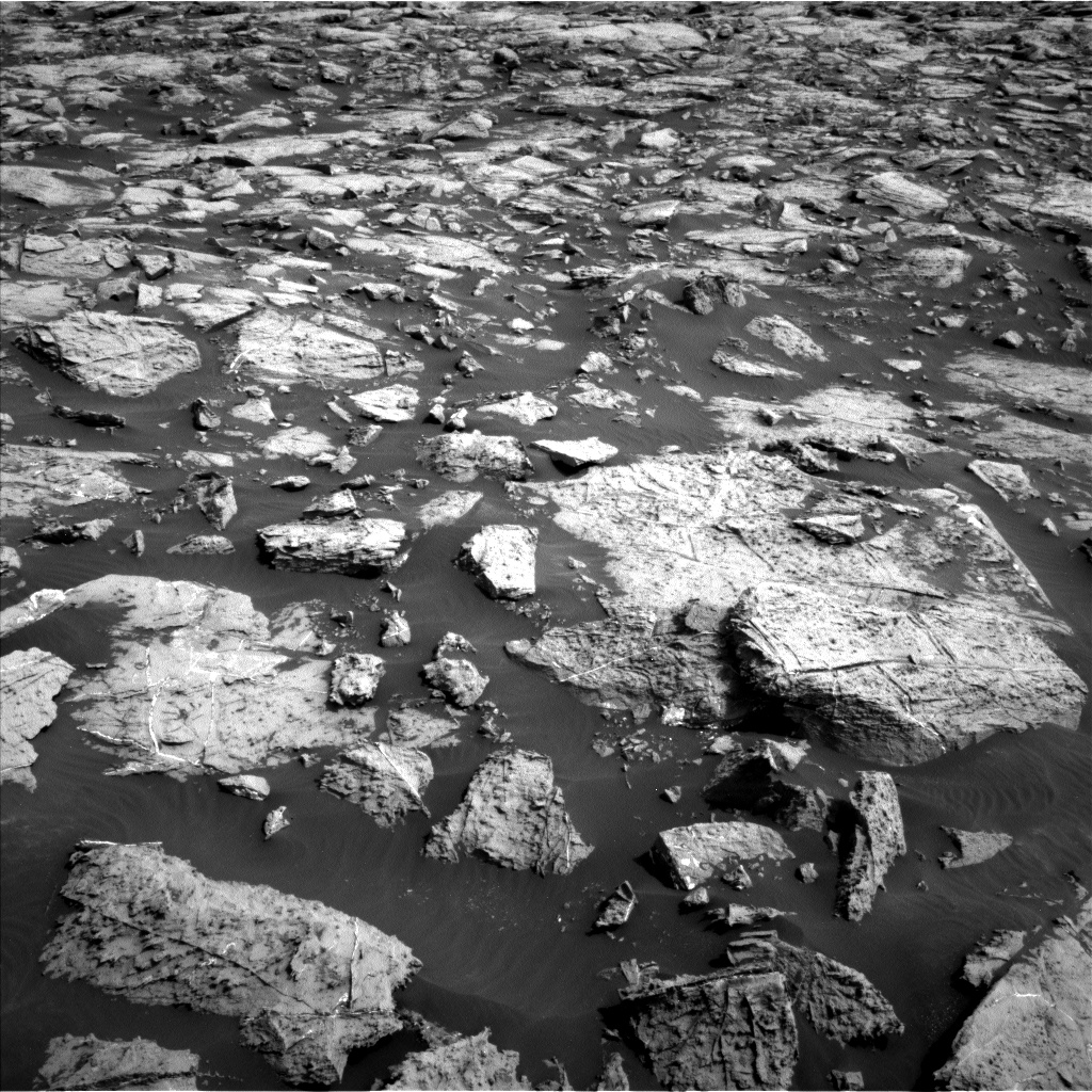 Nasa's Mars rover Curiosity acquired this image using its Left Navigation Camera on Sol 1468, at drive 3422, site number 57