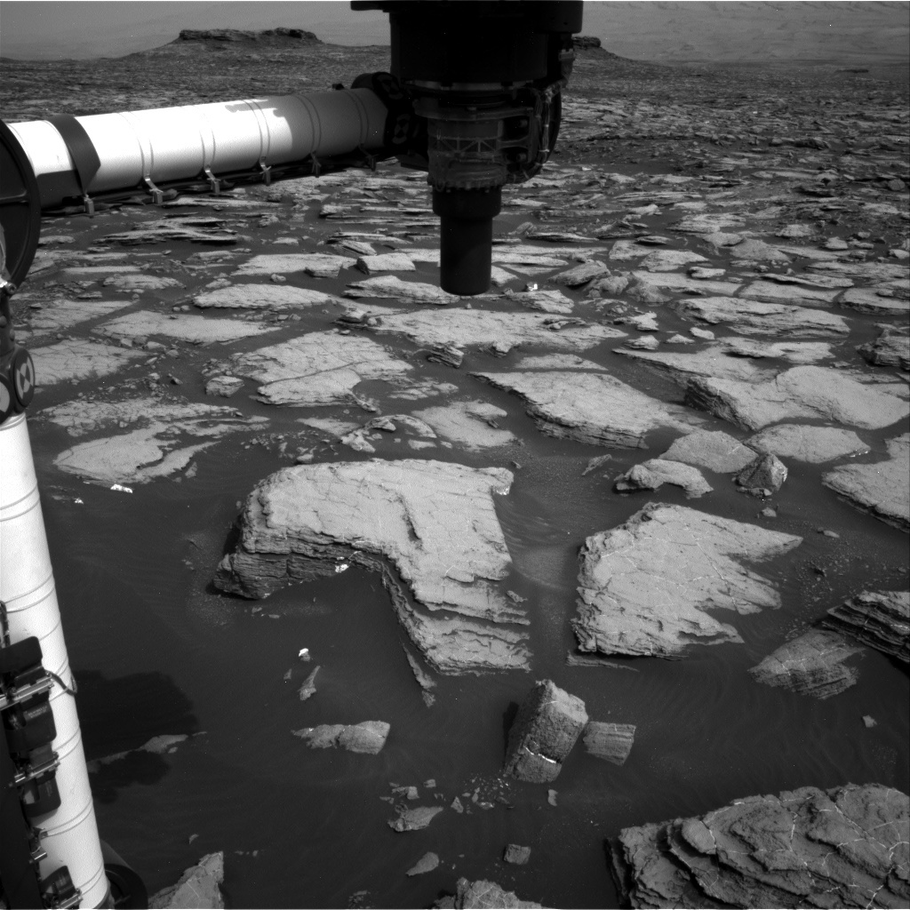 NASA's Mars rover Curiosity acquired this image using its Right Navigation Cameras (Navcams) on Sol 1473