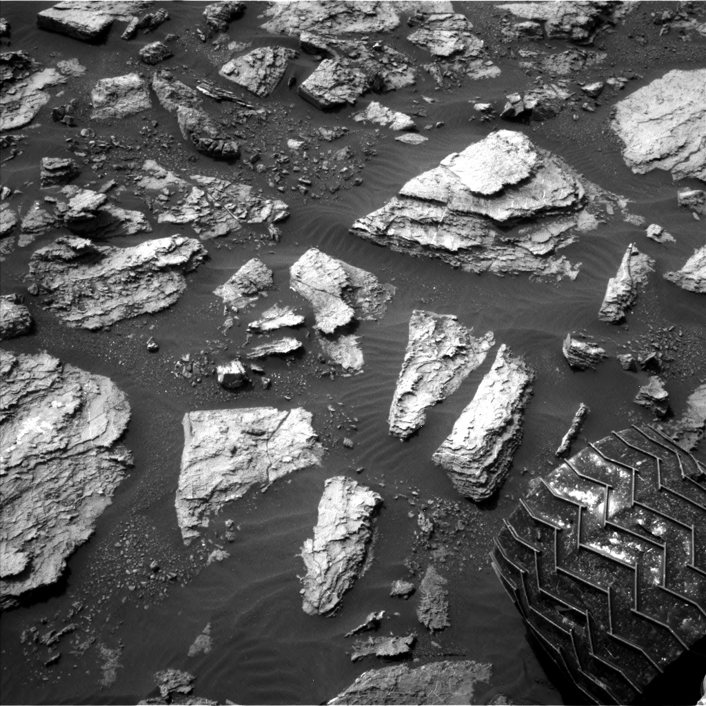 Nasa's Mars rover Curiosity acquired this image using its Left Navigation Camera on Sol 1485, at drive 1836, site number 58