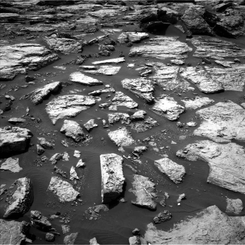 Nasa's Mars rover Curiosity acquired this image using its Left Navigation Camera on Sol 1487, at drive 1950, site number 58