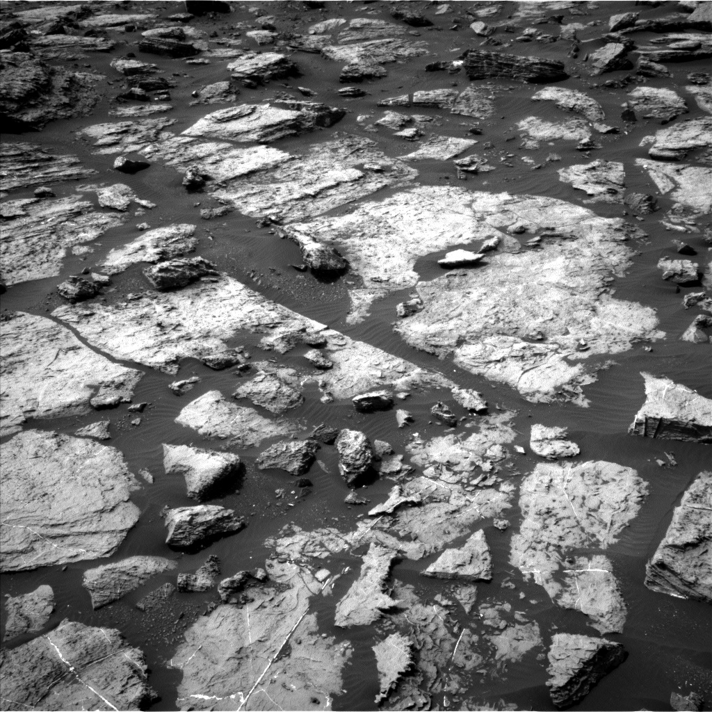 Nasa's Mars rover Curiosity acquired this image using its Left Navigation Camera on Sol 1489, at drive 2034, site number 58