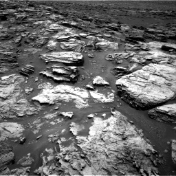 Nasa's Mars rover Curiosity acquired this image using its Right Navigation Camera on Sol 1501, at drive 2424, site number 58