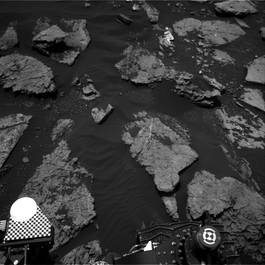 Nasa's Mars rover Curiosity acquired this image using its Right Navigation Camera on Sol 1553, at drive 3004, site number 59