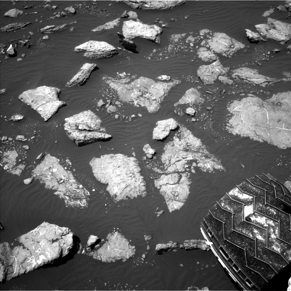 Nasa's Mars rover Curiosity acquired this image using its Left Navigation Camera on Sol 1574, at drive 180, site number 60