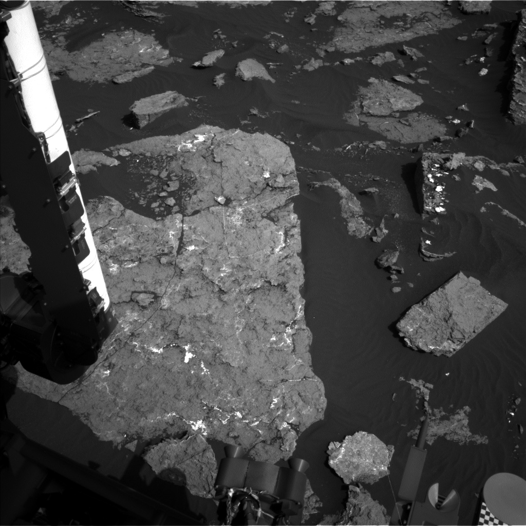 Nasa's Mars rover Curiosity acquired this image using its Left Navigation Camera on Sol 1576, at drive 396, site number 60