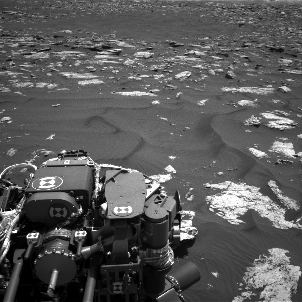 Nasa's Mars rover Curiosity acquired this image using its Left Navigation Camera on Sol 1583, at drive 1422, site number 60