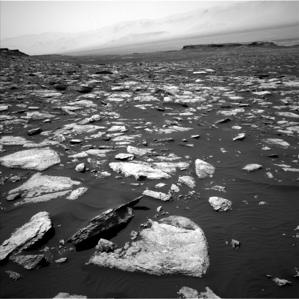 Nasa's Mars rover Curiosity acquired this image using its Left Navigation Camera on Sol 1585, at drive 1752, site number 60
