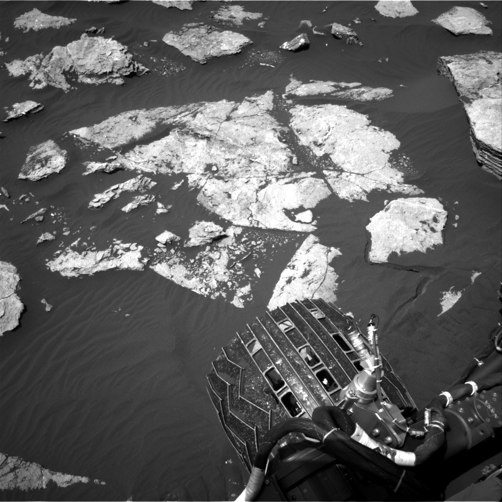 Nasa's Mars rover Curiosity acquired this image using its Right Navigation Camera on Sol 1585, at drive 1752, site number 60