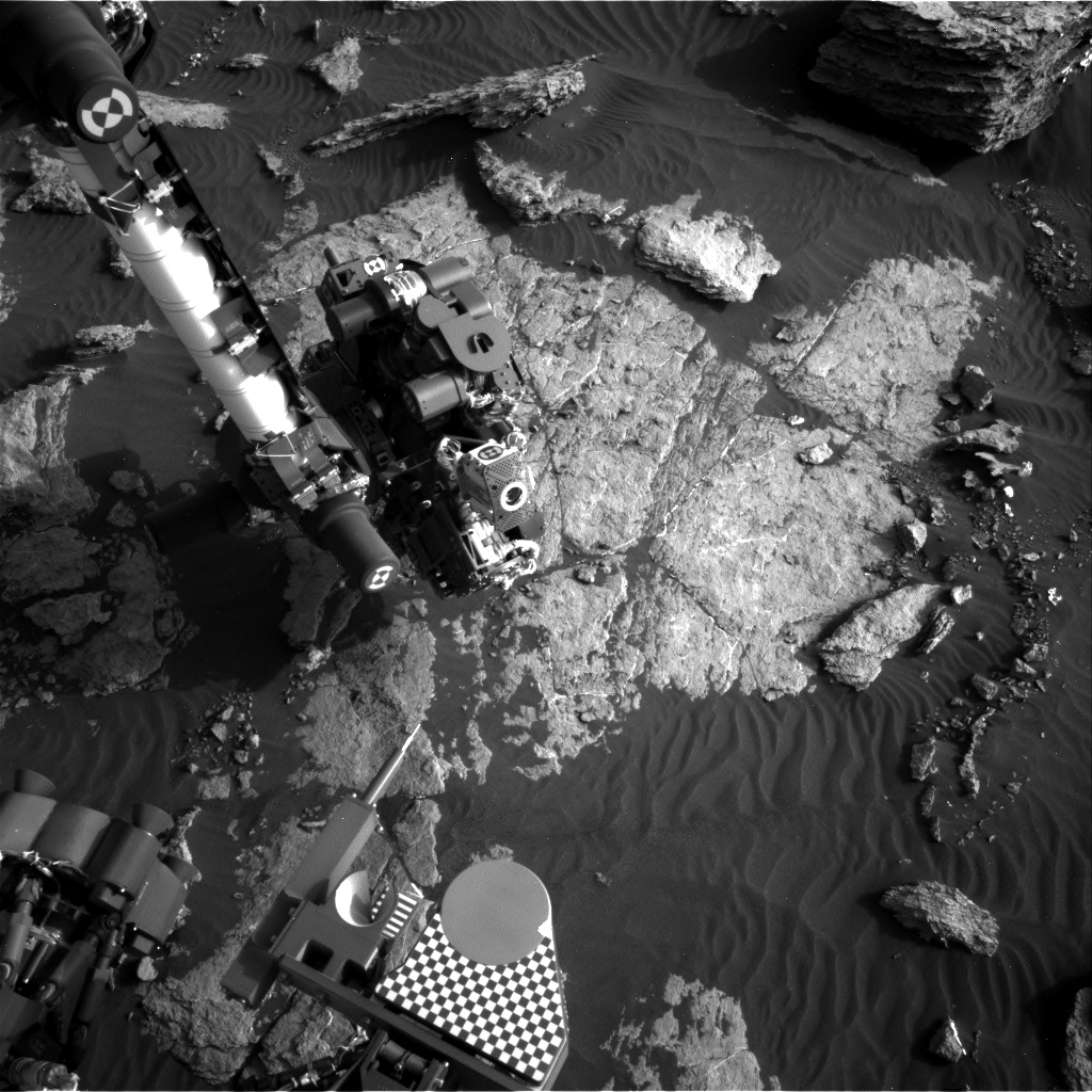 Nasa's Mars rover Curiosity acquired this image using its Right Navigation Camera on Sol 1586, at drive 1752, site number 60