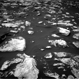 Nasa's Mars rover Curiosity acquired this image using its Right Navigation Camera on Sol 1587, at drive 1752, site number 60