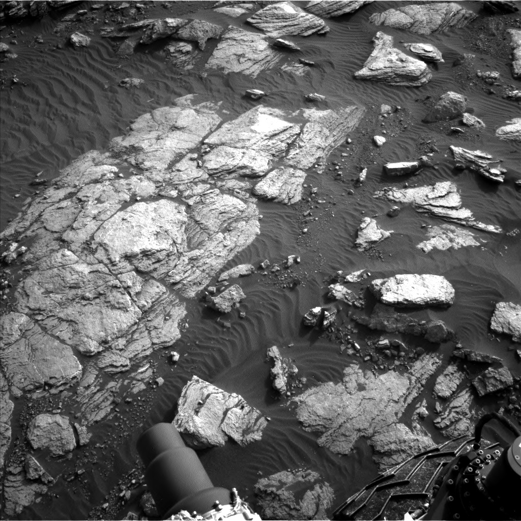 Nasa's Mars rover Curiosity acquired this image using its Left Navigation Camera on Sol 1591, at drive 2346, site number 60