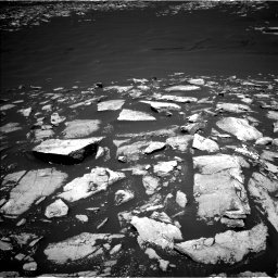 Nasa's Mars rover Curiosity acquired this image using its Left Navigation Camera on Sol 1601, at drive 2976, site number 60
