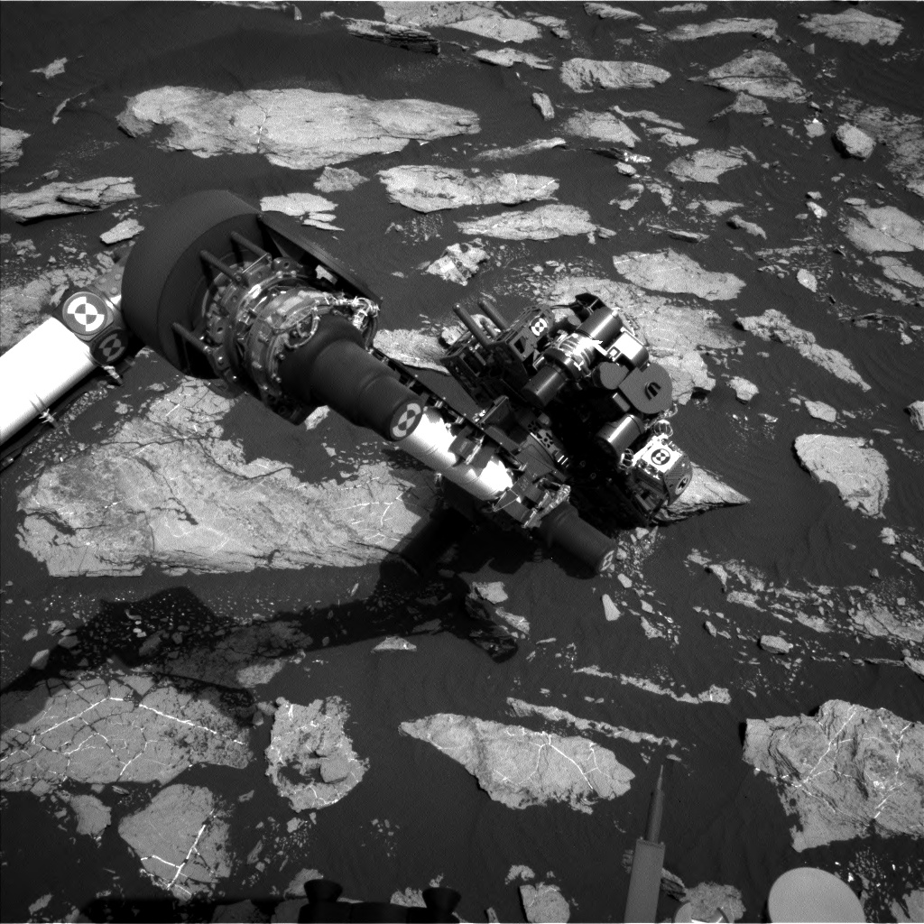 Nasa's Mars rover Curiosity acquired this image using its Left Navigation Camera on Sol 1605, at drive 0, site number 61