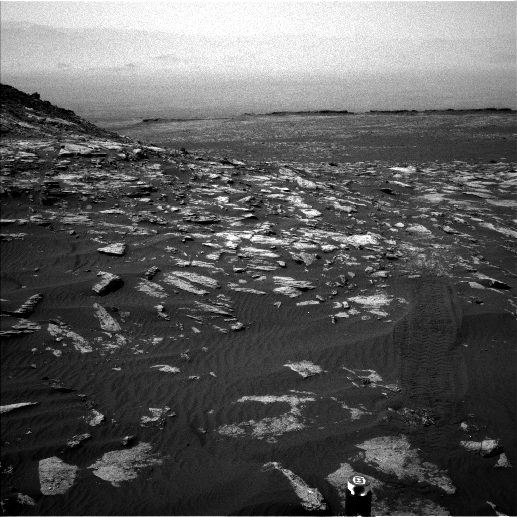 Nasa's Mars rover Curiosity acquired this image using its Left Navigation Camera on Sol 1610, at drive 456, site number 61