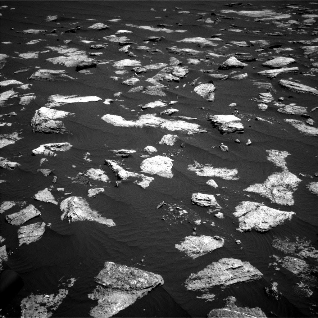 Nasa's Mars rover Curiosity acquired this image using its Left Navigation Camera on Sol 1611, at drive 606, site number 61
