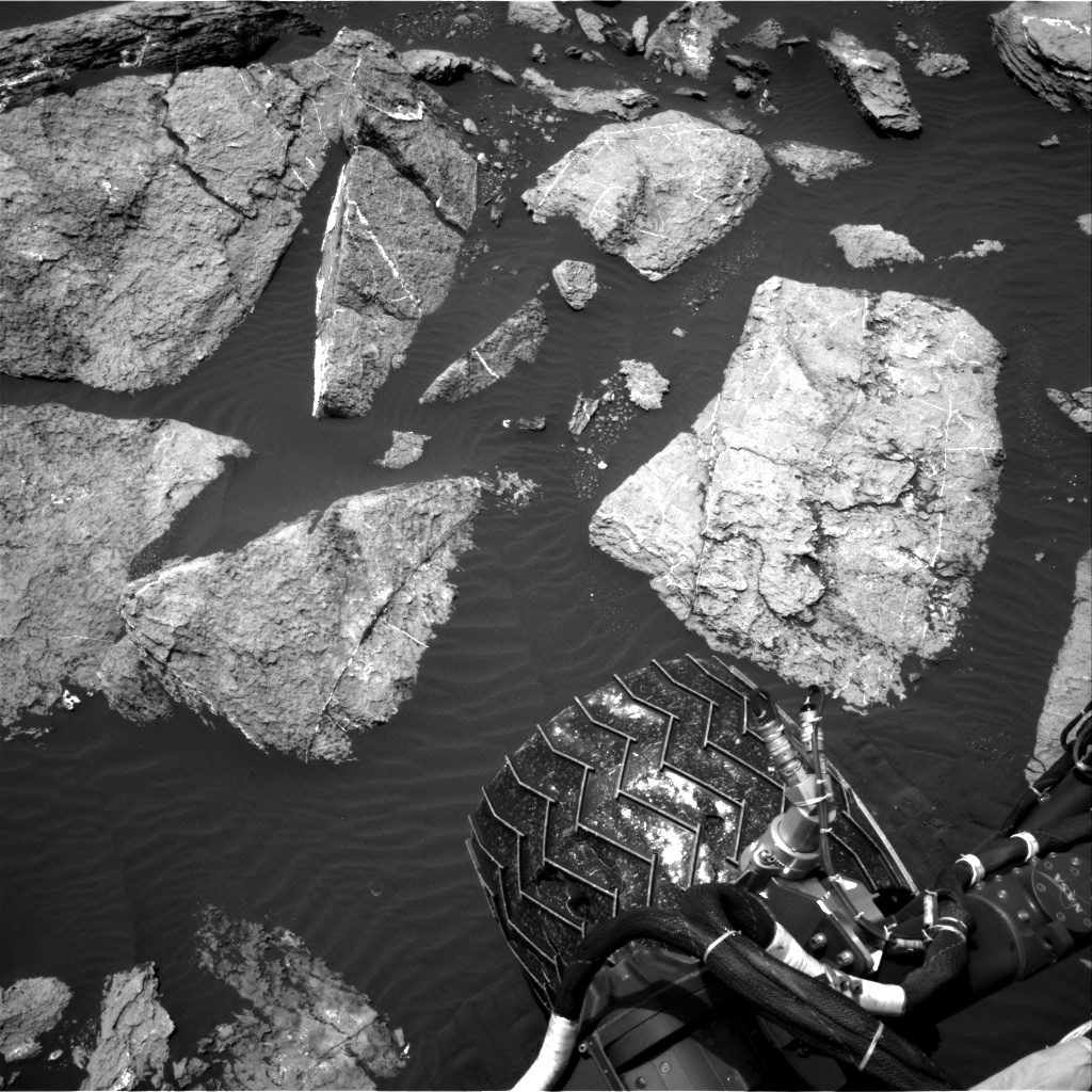 Nasa's Mars rover Curiosity acquired this image using its Right Navigation Camera on Sol 1611, at drive 648, site number 61