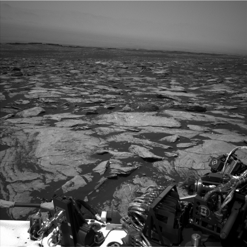 Nasa's Mars rover Curiosity acquired this image using its Left Navigation Camera on Sol 1612, at drive 924, site number 61