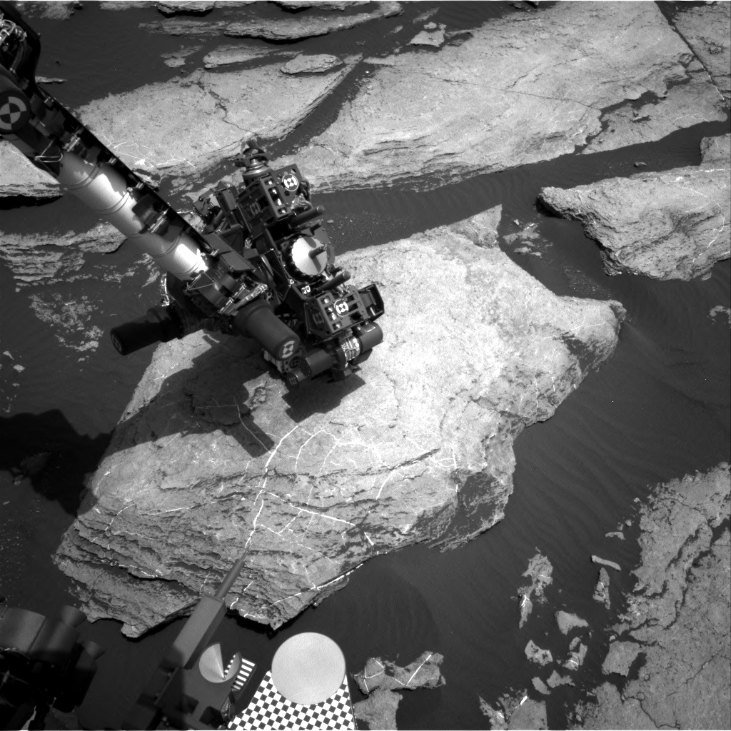 Nasa's Mars rover Curiosity acquired this image using its Right Navigation Camera on Sol 1615, at drive 924, site number 61