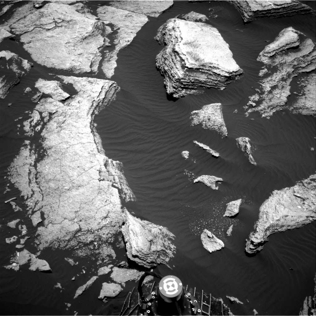Nasa's Mars rover Curiosity acquired this image using its Right Navigation Camera on Sol 1616, at drive 934, site number 61