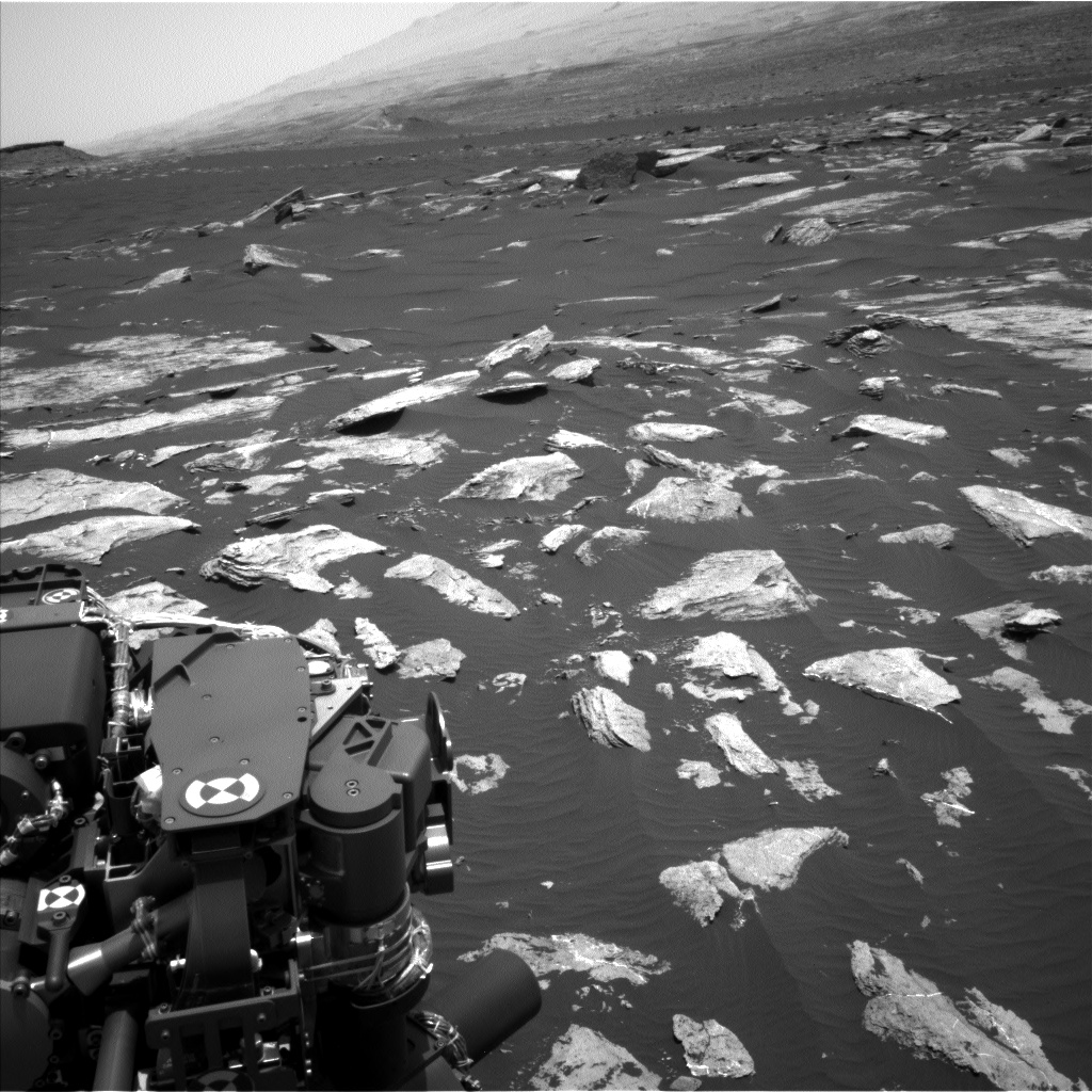 Nasa's Mars rover Curiosity acquired this image using its Left Navigation Camera on Sol 1617, at drive 1122, site number 61