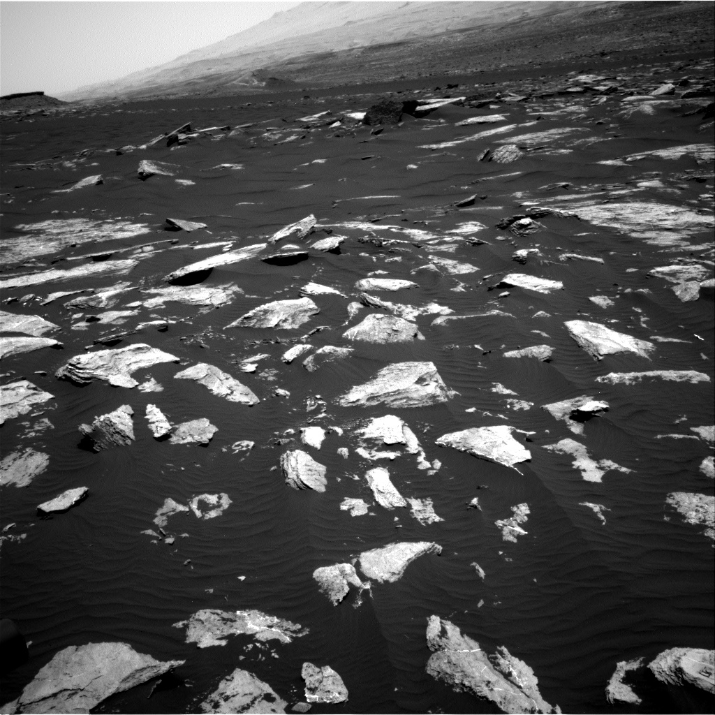 Nasa's Mars rover Curiosity acquired this image using its Right Navigation Camera on Sol 1617, at drive 1122, site number 61