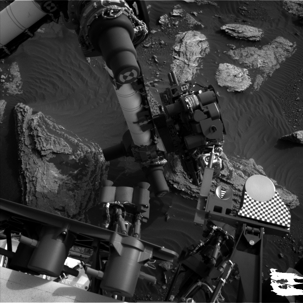 Nasa's Mars rover Curiosity acquired this image using its Left Navigation Camera on Sol 1634, at drive 1908, site number 61