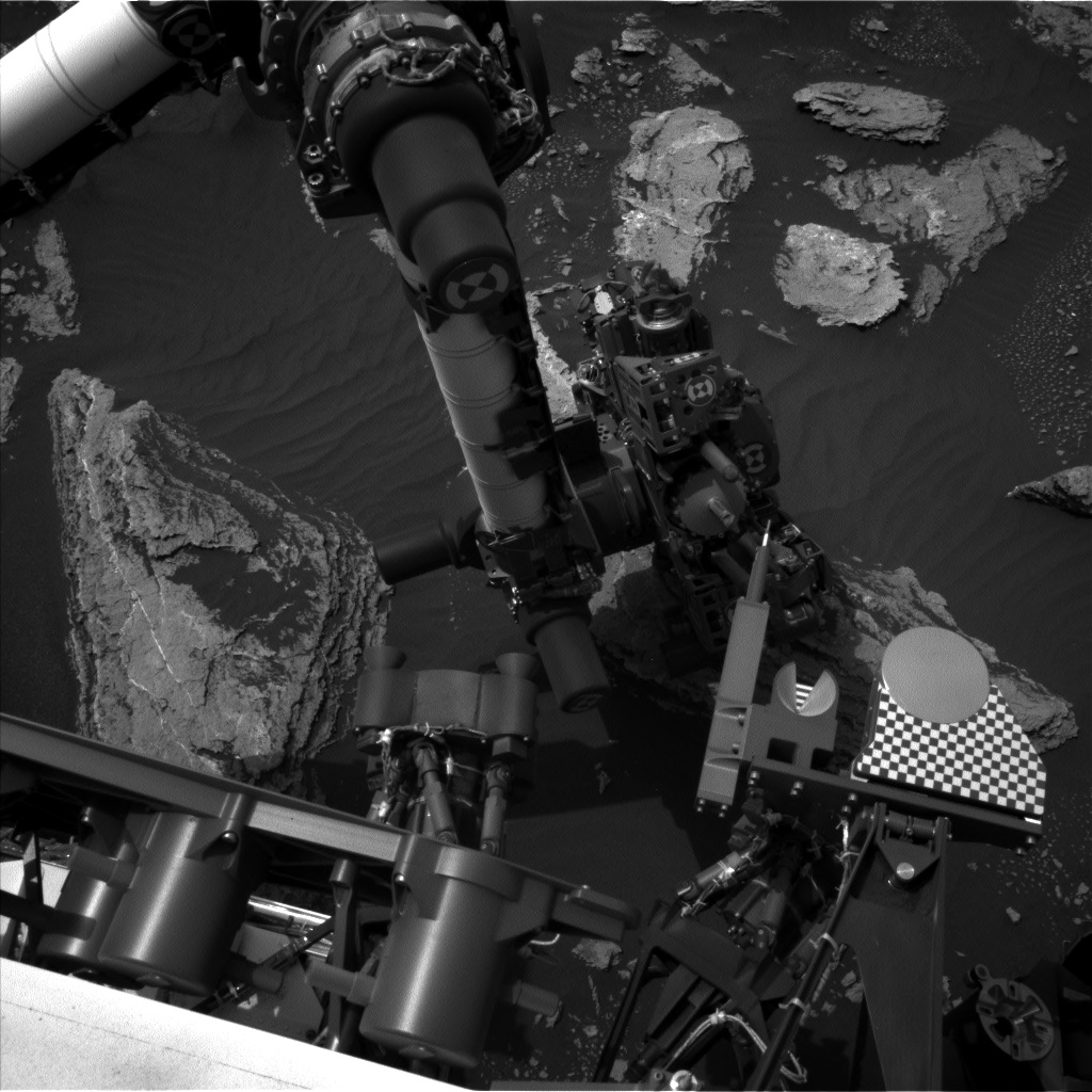 Nasa's Mars rover Curiosity acquired this image using its Left Navigation Camera on Sol 1635, at drive 1908, site number 61