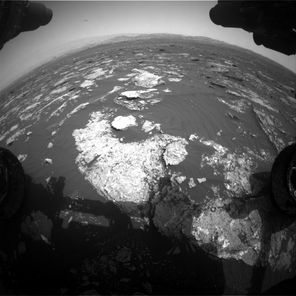 Nasa's Mars rover Curiosity acquired this image using its Front Hazard Avoidance Camera (Front Hazcam) on Sol 1639, at drive 2472, site number 61