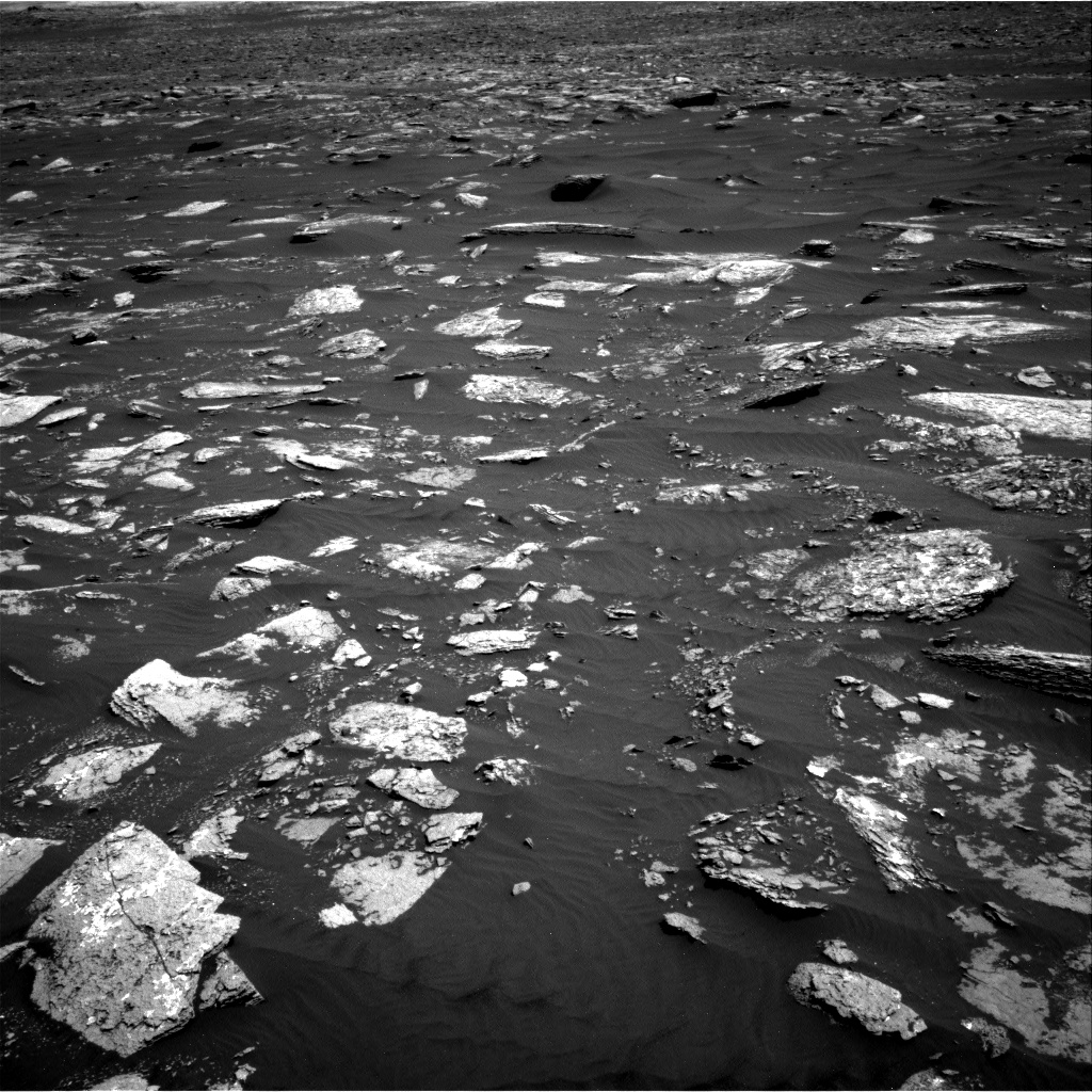 Nasa's Mars rover Curiosity acquired this image using its Right Navigation Camera on Sol 1639, at drive 2472, site number 61