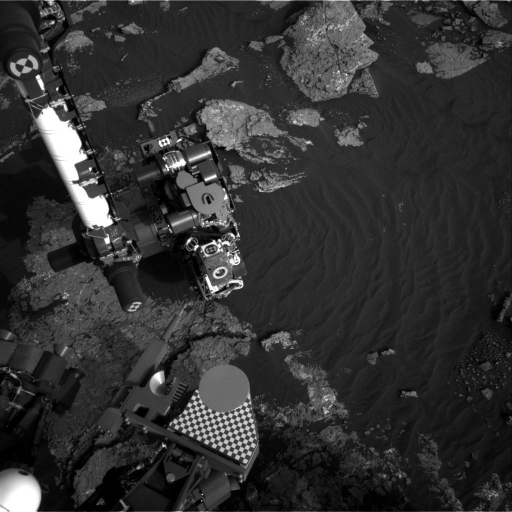 Nasa's Mars rover Curiosity acquired this image using its Right Navigation Camera on Sol 1640, at drive 2472, site number 61