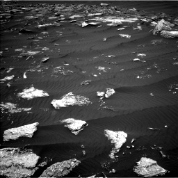 Nasa's Mars rover Curiosity acquired this image using its Left Navigation Camera on Sol 1642, at drive 2592, site number 61