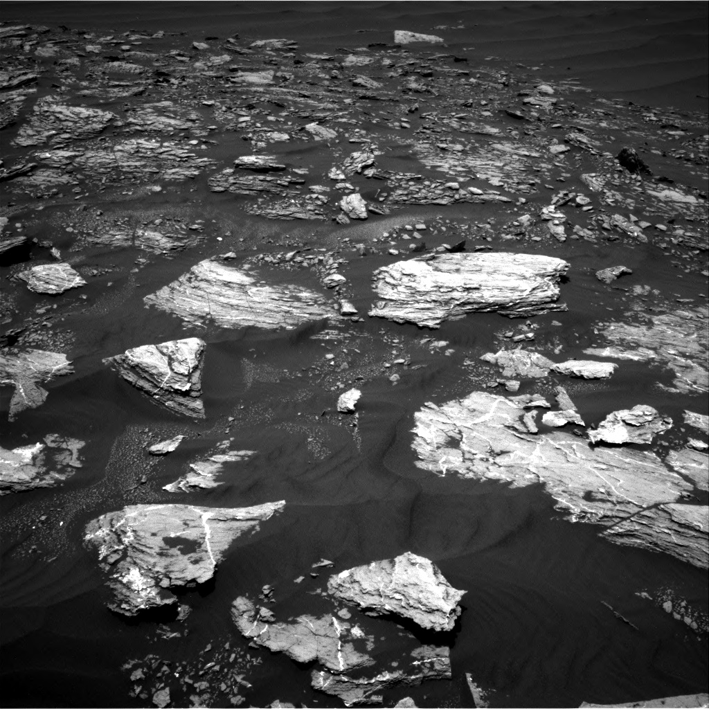 Nasa's Mars rover Curiosity acquired this image using its Right Navigation Camera on Sol 1642, at drive 2670, site number 61
