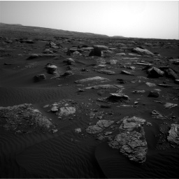 Nasa's Mars rover Curiosity acquired this image using its Right Navigation Camera on Sol 1648, at drive 84, site number 62